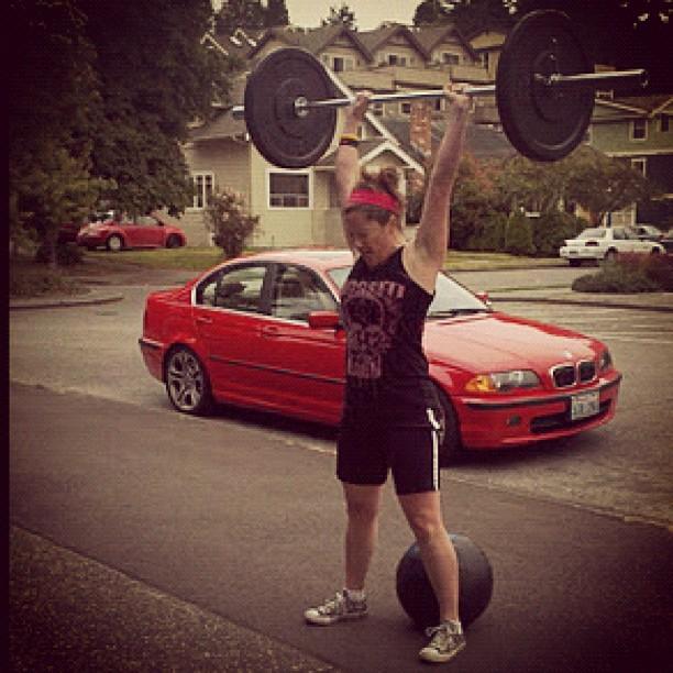 Lift like a man, look like a girl! A CrossFit Journey.