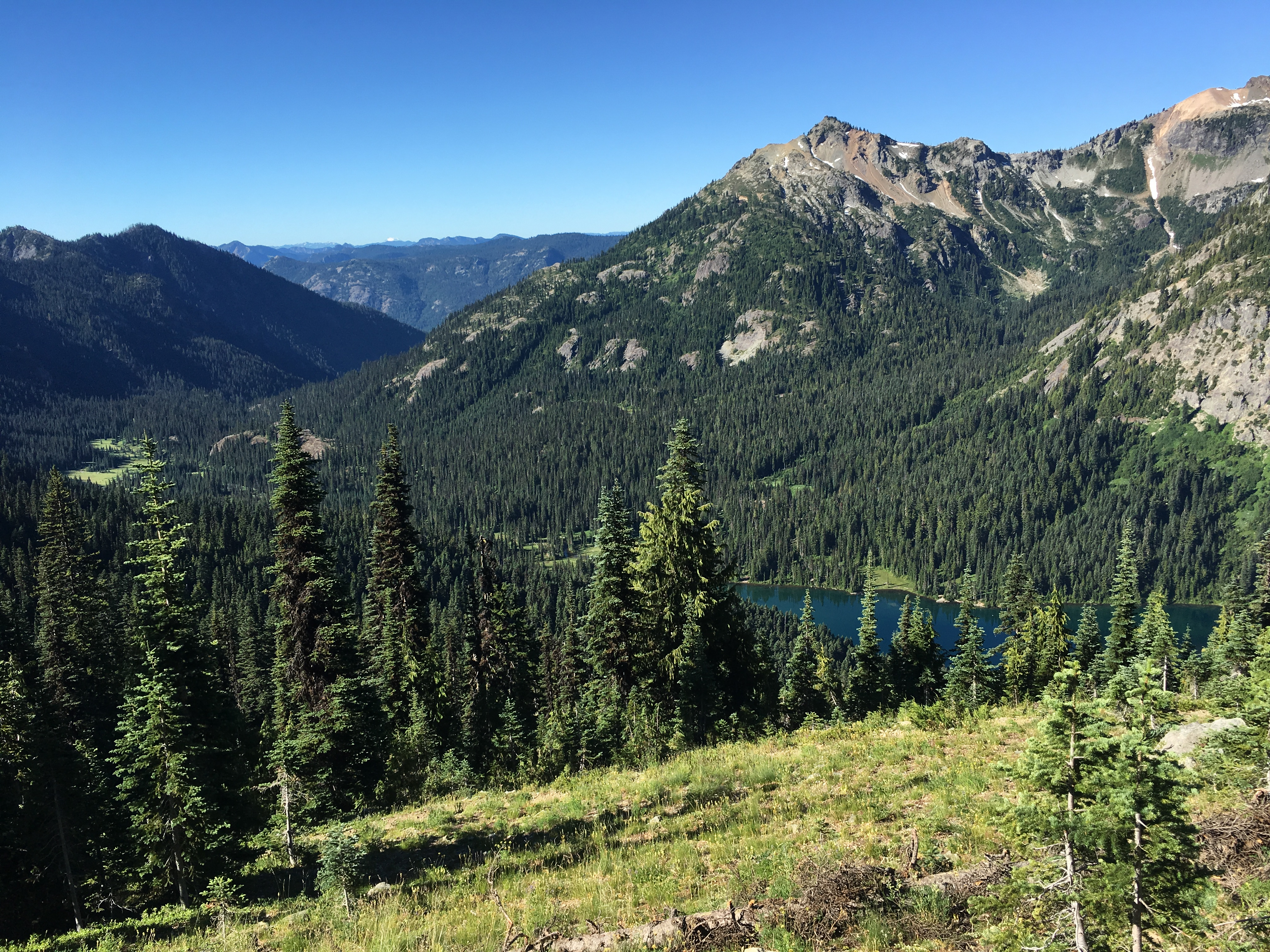Some lake on the trail during Stevens Pass to Snoqualmie Pass